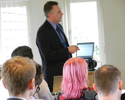 Agilent molecular spectroscopy product specialist, Rob Wills, speaks at Analytik's molecular spectroscopy workshops